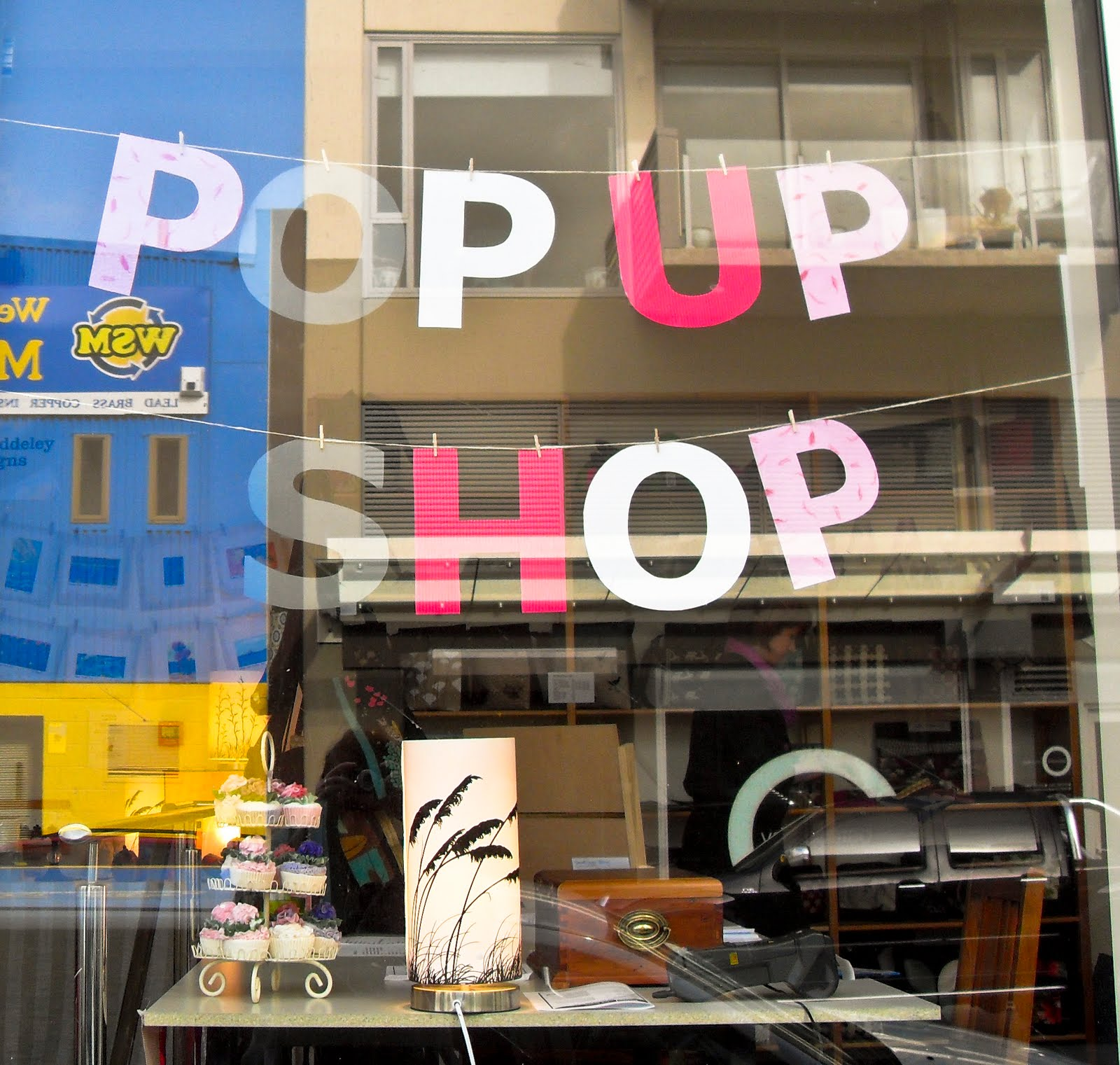 Pop Up Shopping Mondays: Why Pop-Up Shops Are Here To